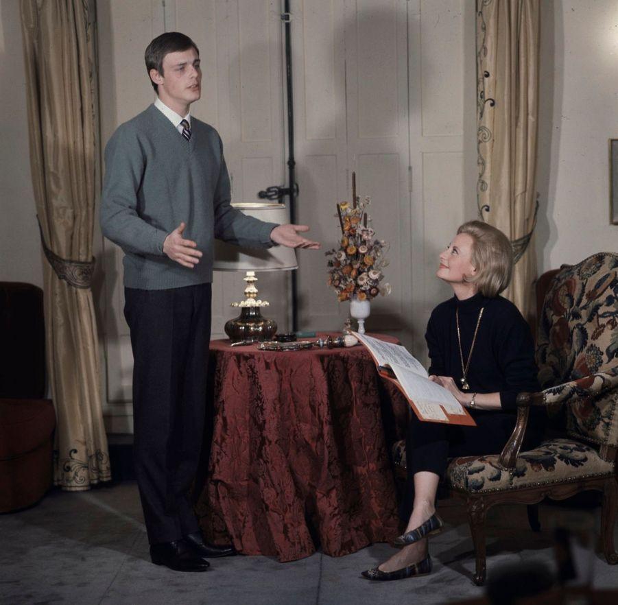 Avec son fils Mike Marshall, qui mourra d'un cancer à l'âge de 66 ans. Photo prise en 1964.