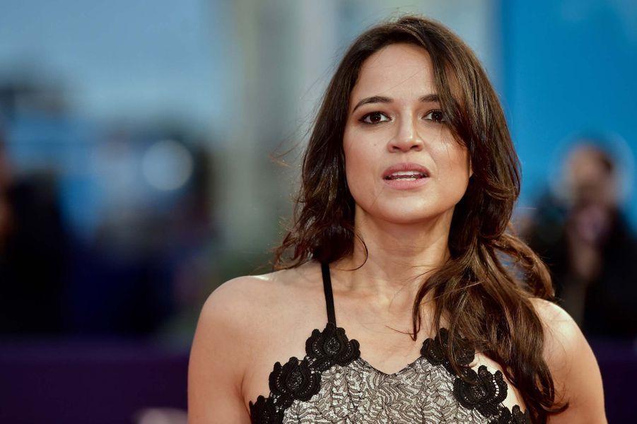 Le Festival de Deauville a rendu hommage à l'actrice Michelle Rodriguez en sa présence jeudi soir.