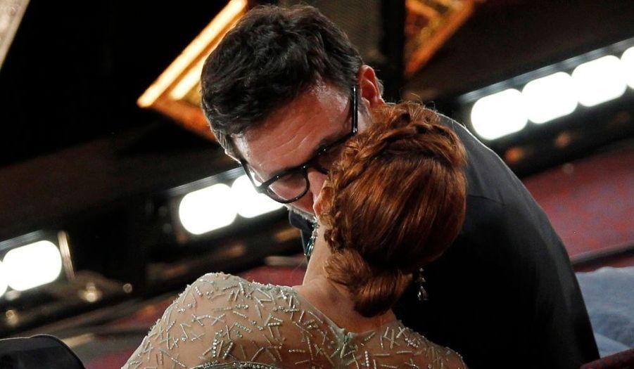 Michel Hazanavicius embrasse la belle Bérénice