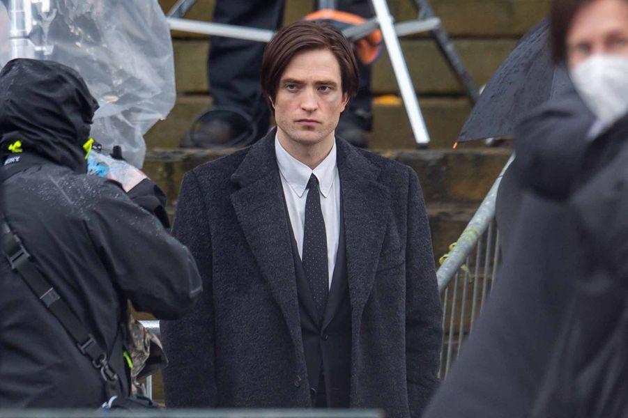 """Robert Pattinson sur le tournage de """"The Batman""""."""