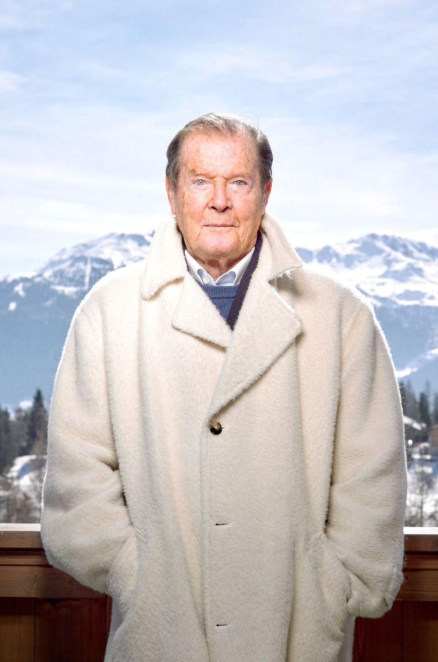 En mars 2015, Roger Moore, 87 ans, recevait Paris Match à Crans-Montana, en Suisse.