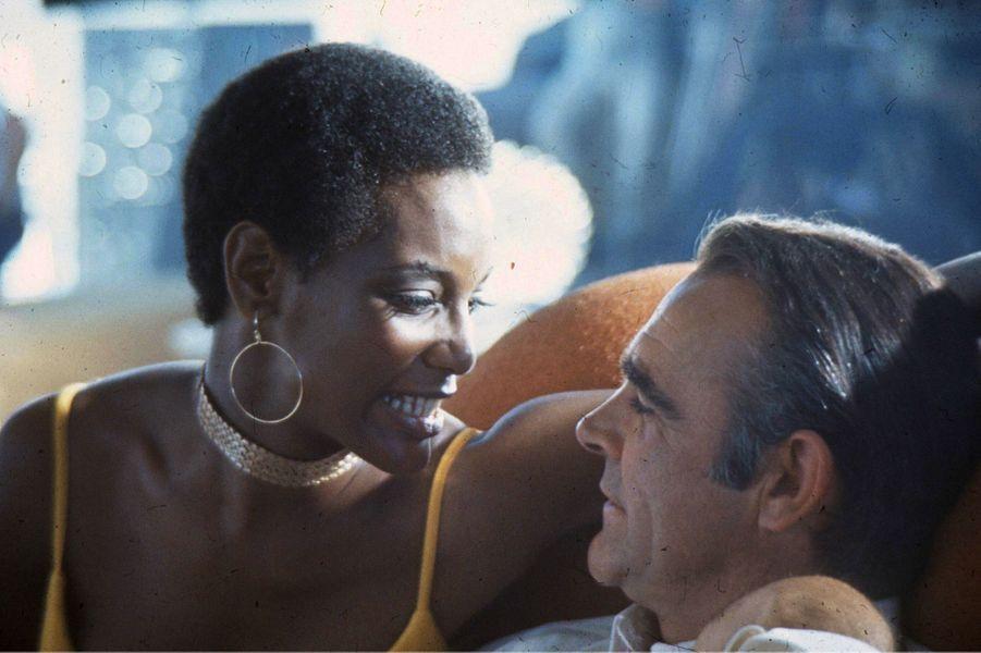 Sean Connery dans la peau de James Bond dans «Les diamants sont éternels», sorti en 1971 (ici avec l'actrice Trina Parks)