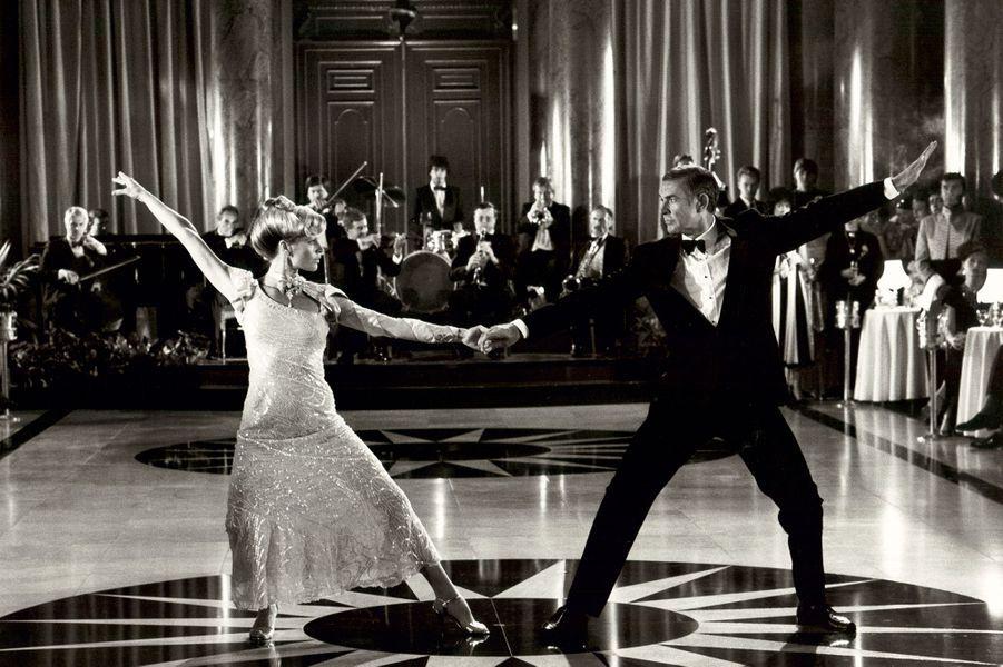 Sean Connery dans la peau de James Bond dans «Jamais plus jamais», sorti en 1983 (ici avec l'actrice Kim Basinger)
