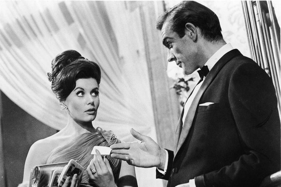 Sean Connery dans la peau de James Bond dans «James Bond 007 contre Dr No», sorti en 1962 (ici avec l'actrice Eunice Gayson)