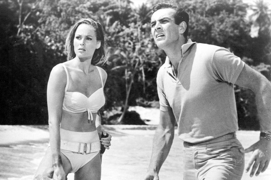 Sean Connery dans la peau de James Bond dans «James Bond 007 contre Dr No», sorti en 1962 (ici avec l'actrice Ursula Andress)