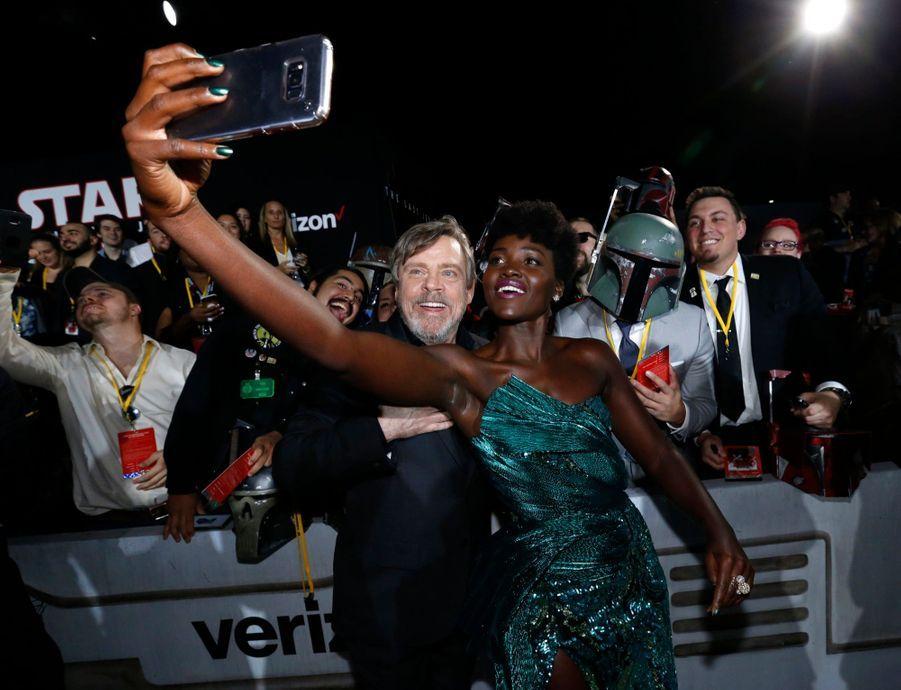 """Star Wars : Les Derniers Jedi"", La Première Mondiale En Photos 26"