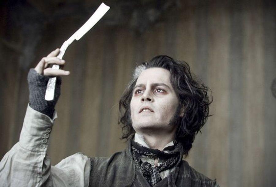 Johnny Depp joue le rôle de Benjamin Barker, un talentueux barbier qui se fait appeler Sweeney Todd.