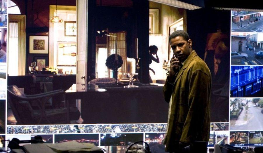Tony Scott retrouve Denzel Washington pour un incursion dans la science-fiction, avec un voyage dans le temps pour retrouver les coupables d'un attentat à la bombe.