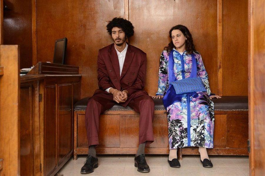«Sofia» de Meyem Benm'Barek Le synopsis :Sofia, 20 ans, vit avec ses parents à Casablanca. Suite à un déni de grossesse, elle se retrouve dans l'illégalité en accouchant d'un bébé hors mariage.L'hôpital lui laisse 24h pour fournir les papiers du père de l'enfant avant d'alerter les autorités…