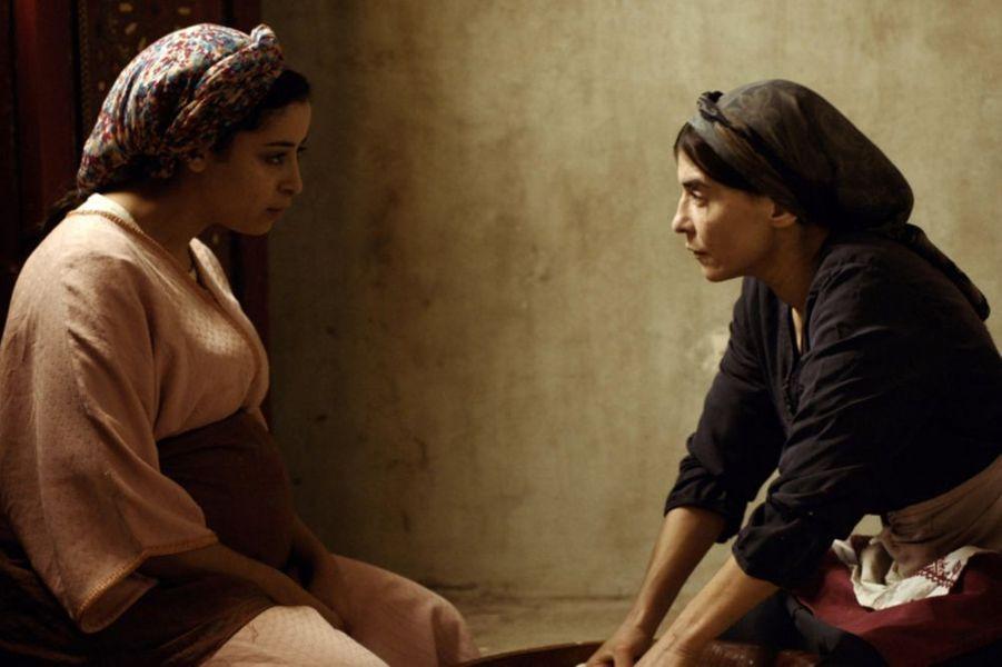 «Adam» de Maryam TouzaniLe synopsis :Dans la Médina de Casablanca, Abla, mère d'une fillette de 8 ans, tient un magasin de pâtisseries marocaines. Quand Samia, une jeune femme enceinte frappe à sa porte, Abla est loin d'imaginer que sa vie changera à jamais. Une rencontre fortuite du destin, deux femmes en fuite, et un chemin vers l'essentiel.
