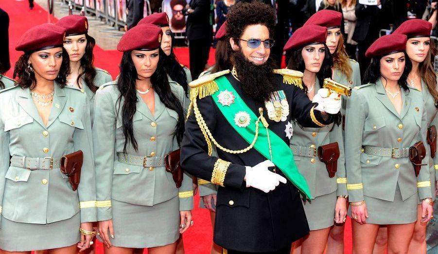 """Sacha Baron Cohen - pardon son altesse le Général Aladeen - présentait hier sa dernière comédie, """"The Dictator"""", au Royal Festival Hall de Londres."""
