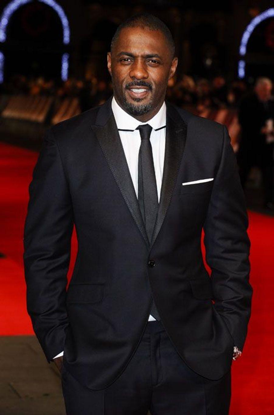 Il fait partie des favoris des bookmakers. Depuis son rôle dans la série «The Wire», Idris Elba fait beaucoup parler de lui et pourrait bien devenir le premier James Bond noir de l'histoire de la saga. L'interprète de Heimdall dans «Thor» n'a pas caché qu'il convoitait le rôle du célèbre agent secret. «Si on me propose le rôle, j'accepterai», a-t-il déclaré lors d'une discussion avec les internautes de Reddit.