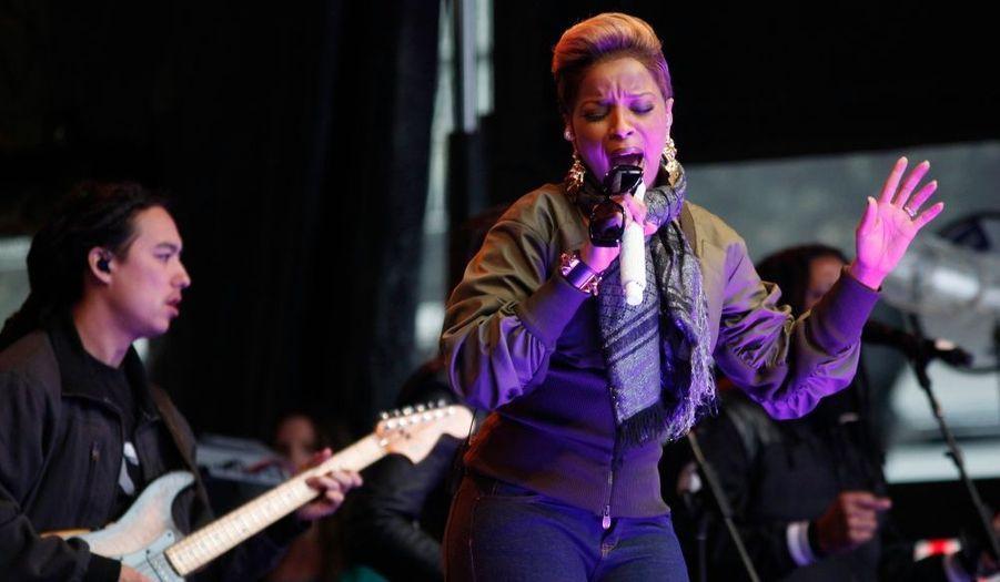 La chanteuse Mary J. Blige a donné un concert gratuit hier soir au Times Square à New York.