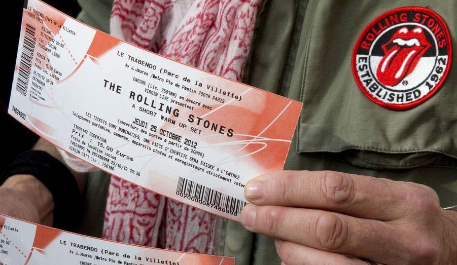 Ce fan du mythique groupe de rock les Rolling Stones, a réussi à se procurer deux billets pour le concert qui a lieu ce jeudi soir, au Trabendo, à Paris.