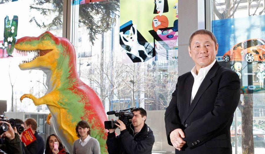 """Jusqu'au 12 septembre prochain, la Fondation Cartier expose les travaux de plasticien du Japonais Takeshi Kitano. Homme de télévision et surtout cinéaste - Hana-Bi, Sonatine -, """"Beat"""" Takeshi est aussi peintre à ses heures perdues. En salles sort également son nouveau long métrage, Achille et la tortue."""