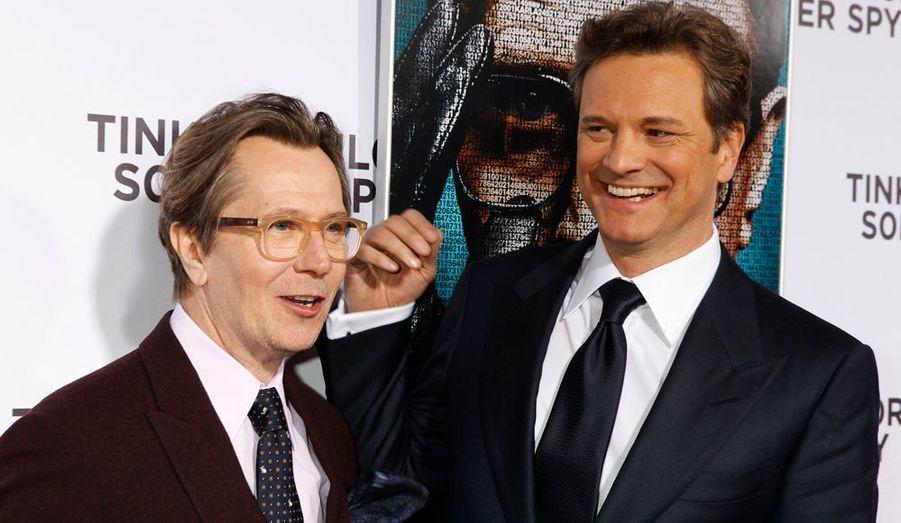 """Gary Oldman et Colin Firth en pleine promotion de """"La Taupe"""", leur nouveau long métrage, lors de l'avant-première du film à Los Angeles."""