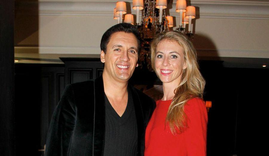 Nathalie et Dany Brillant, fou de joie au milieu des comédiens.