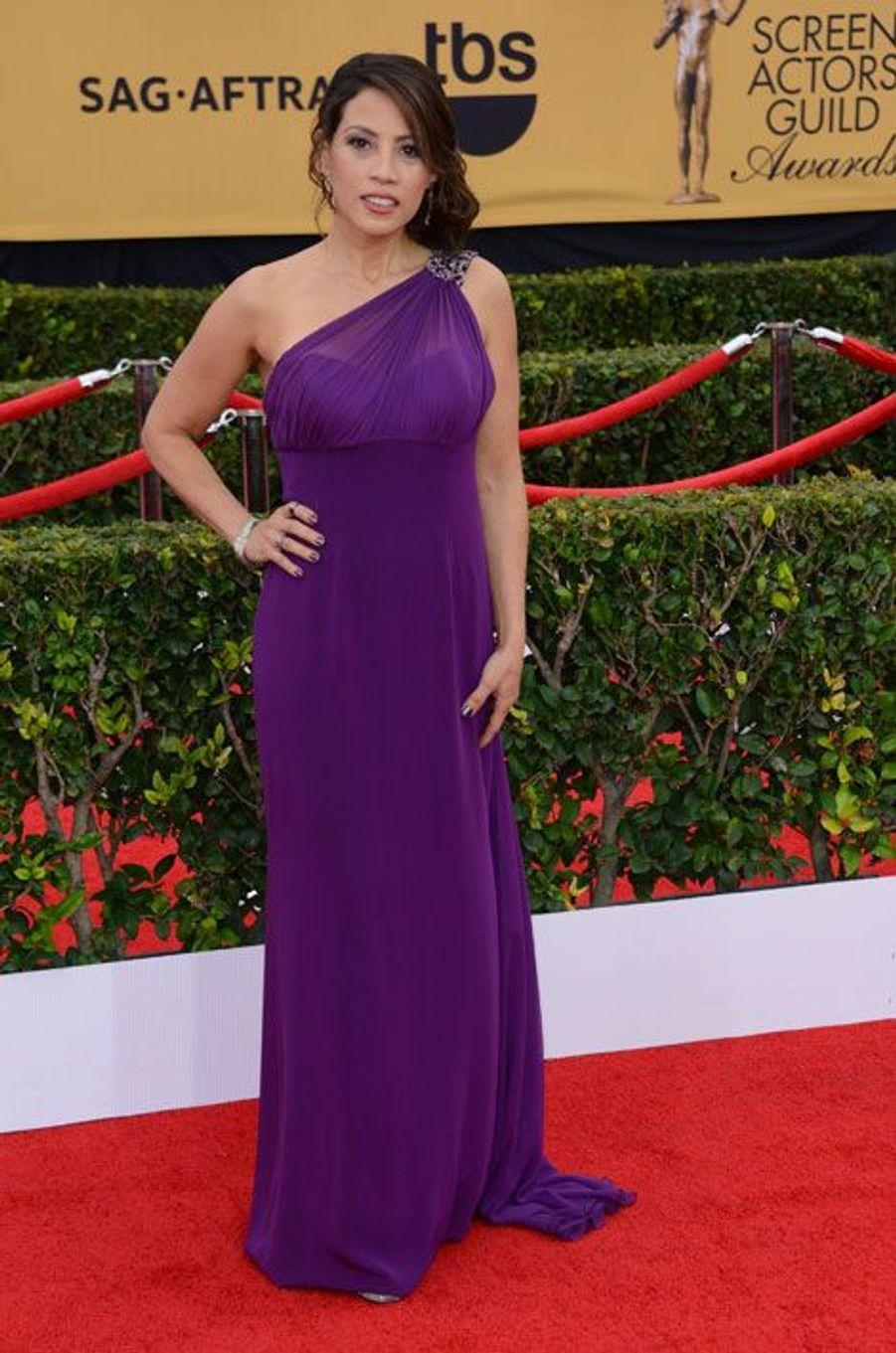 Aleida Diaz (Elizabeth Rodriguez)