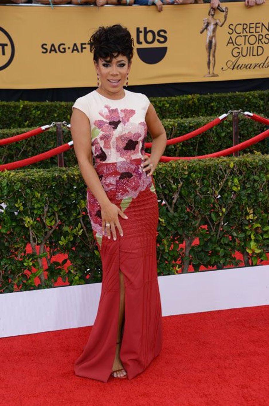 Gloria Mendoza (Selenis Leyva)