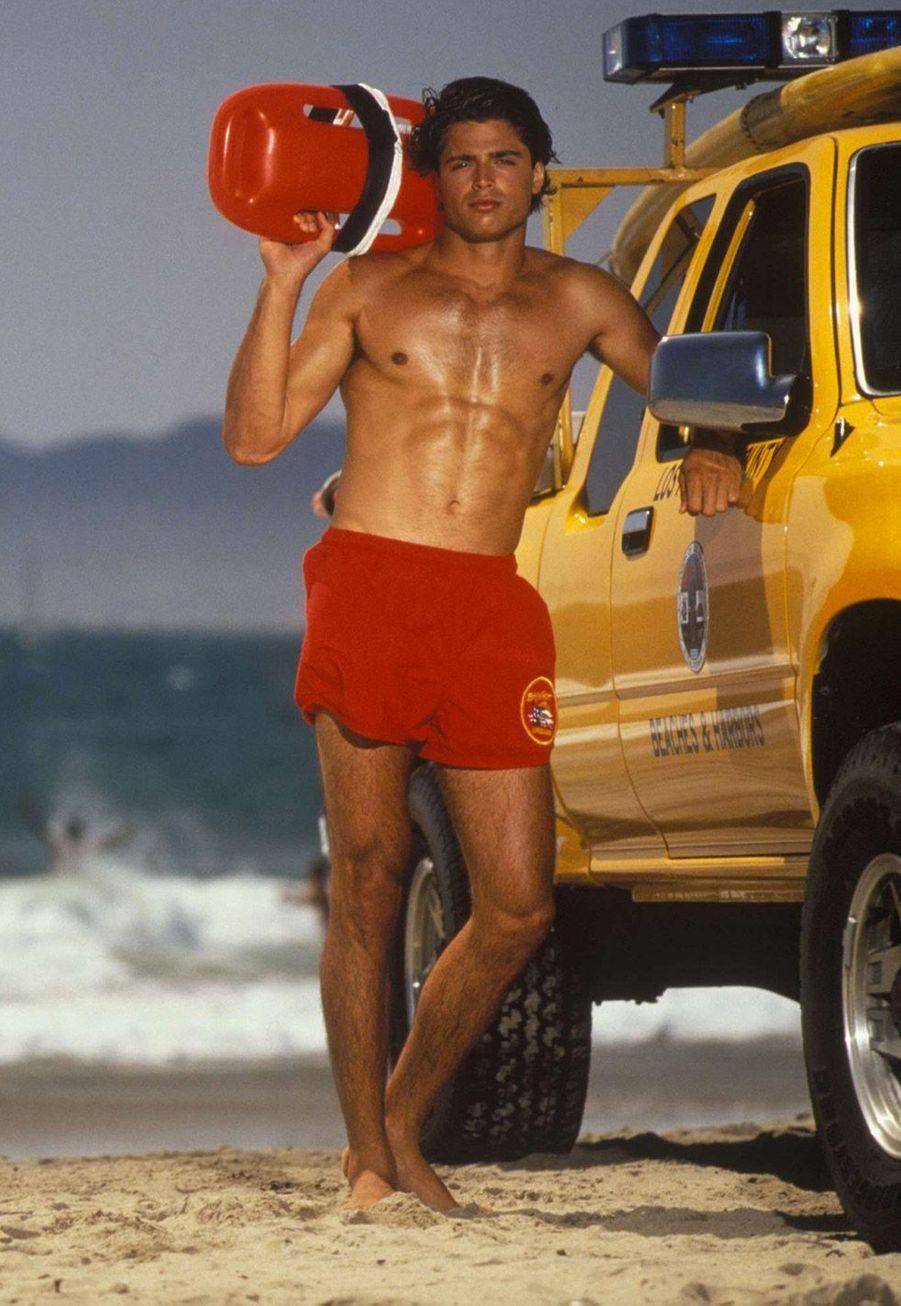 """David Charvet (Matt Brody) :""""Alerte à Malibu"""" a propulsé le Français David Charvet au rang de star internationale. Aprèsson départ de la série en 1995, il a joué durant deux saisons dans """"Melrose Place"""" avant de se lancer dans une carrière musicale avec le single romantique «Should I Leave». Il a sorti son quatrième et dernier album en 2006. Le lyonnais de naissance a également une carrière dans l'immobilier. Avec un associé, il s'est spécialisé dans la construction de villas de luxe aux Etats-Unis. Il a deux enfants avec son épouseBrooke Burke, une fille,Heaven Rain Charvet et un garçon, Shaya Braven Charvet."""