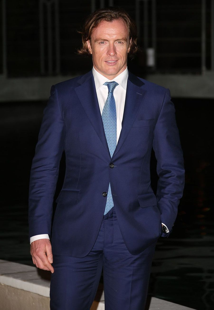 Toby Stephens : Capitaine James Flint