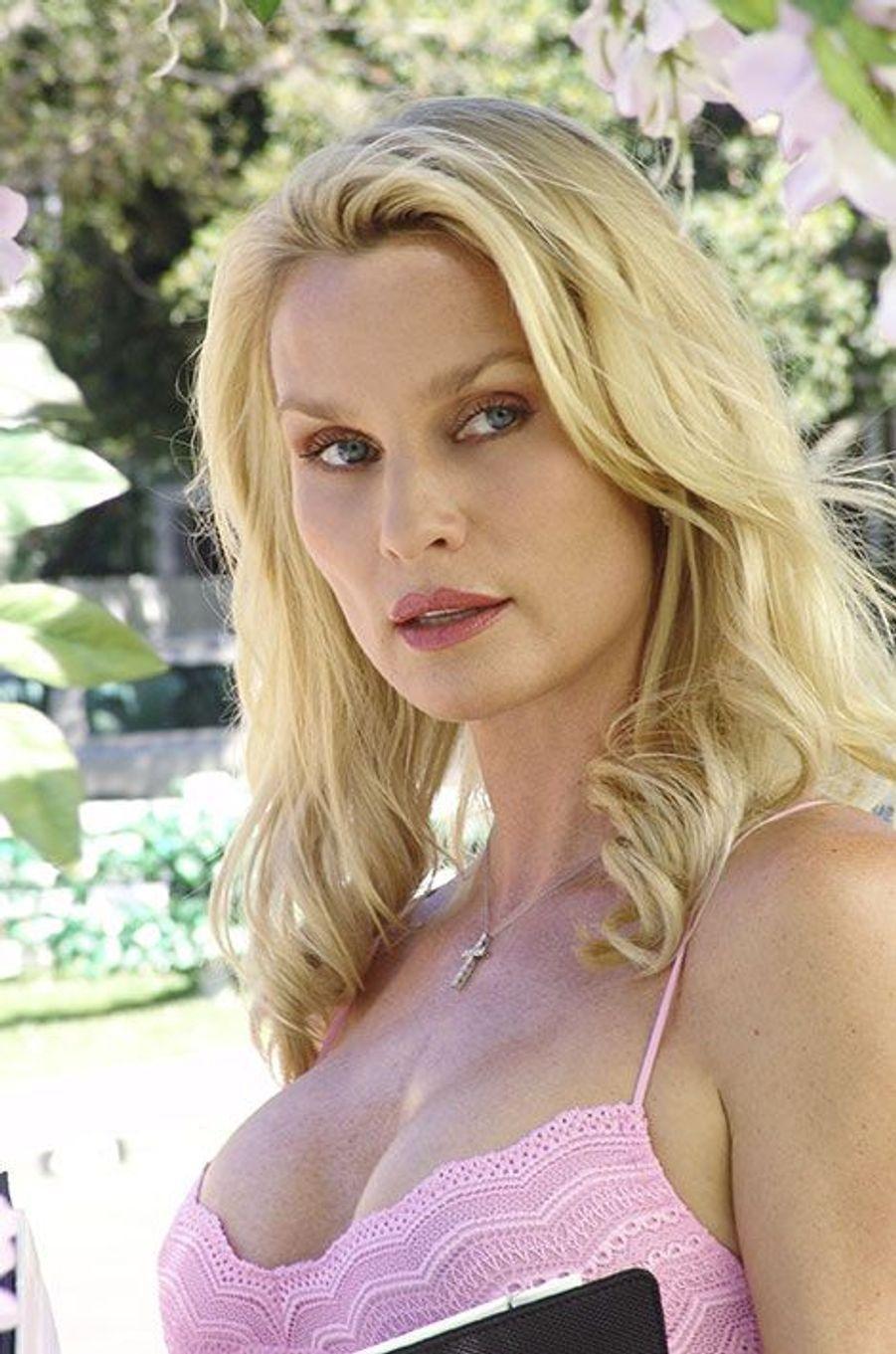 """Nicollette Sheridan a été virée de """"Desperate Housewives"""" par Marc Cherry"""