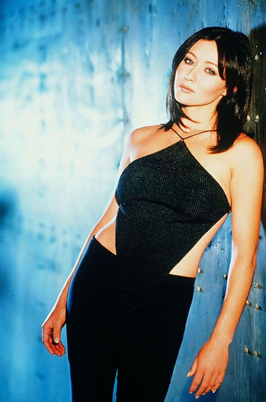 """Shannen Doherty écartée de """"Charmed"""" à cause entre autres de tensions avec sa partenaire Alyssa Milano"""