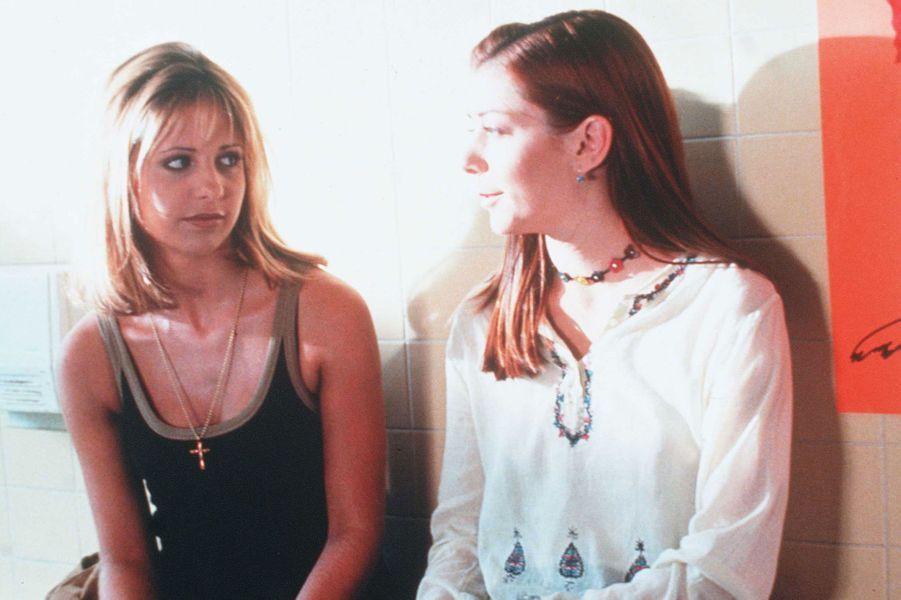 """Sarah Michelle Gellar et Alyson Hannigan, ici en 1998, sont restées proches après la fin de """"Buffy contre les vampires"""""""