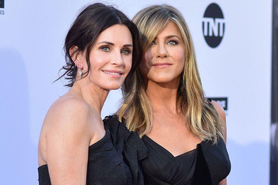 "Courteney Cox et Jennifer Aniston de ""Friends"" en 2018"