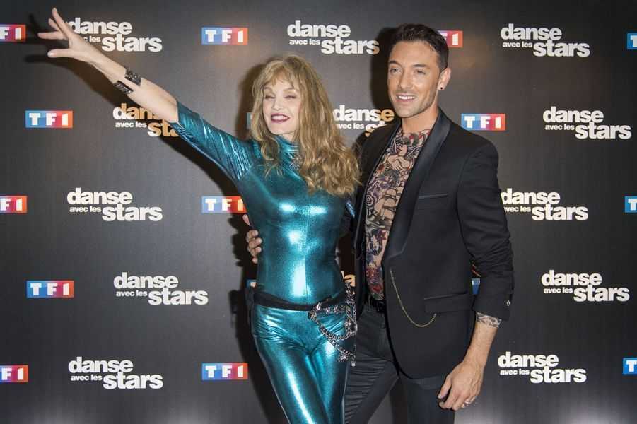 Arielle Dombasle et son danseur Maxime Dereymez