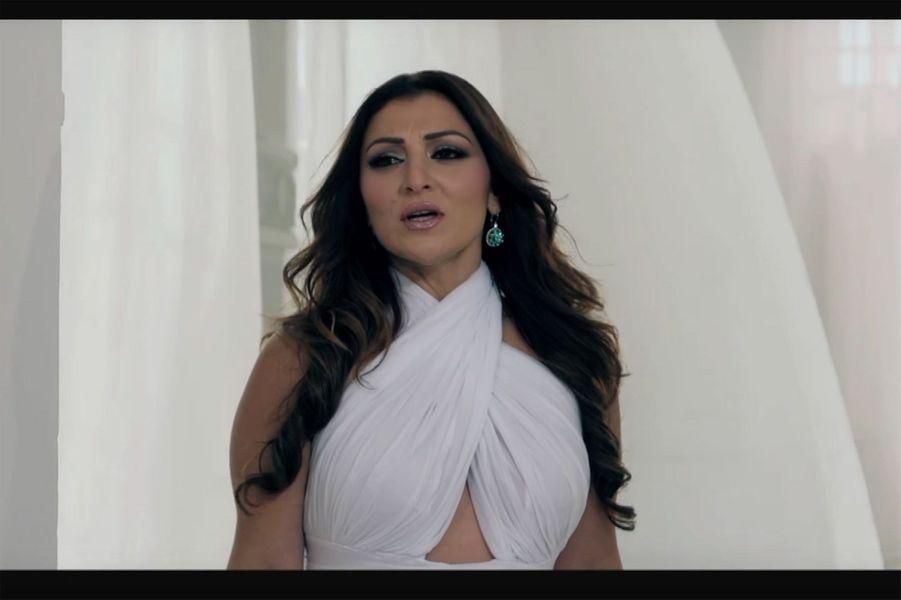 """Malte : Claudia Faniello """"Breathlessly"""""""
