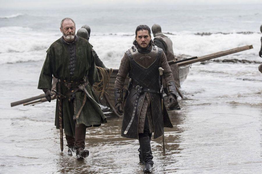 Jon Snow (Kit Harington) etDavos Mervault (Liam Cunningham)