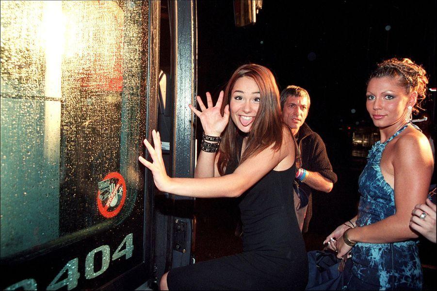 Amandine et Carinelors du lancement de la première saison de la «Star Academy», sur TF1, le 20 octobre 2001