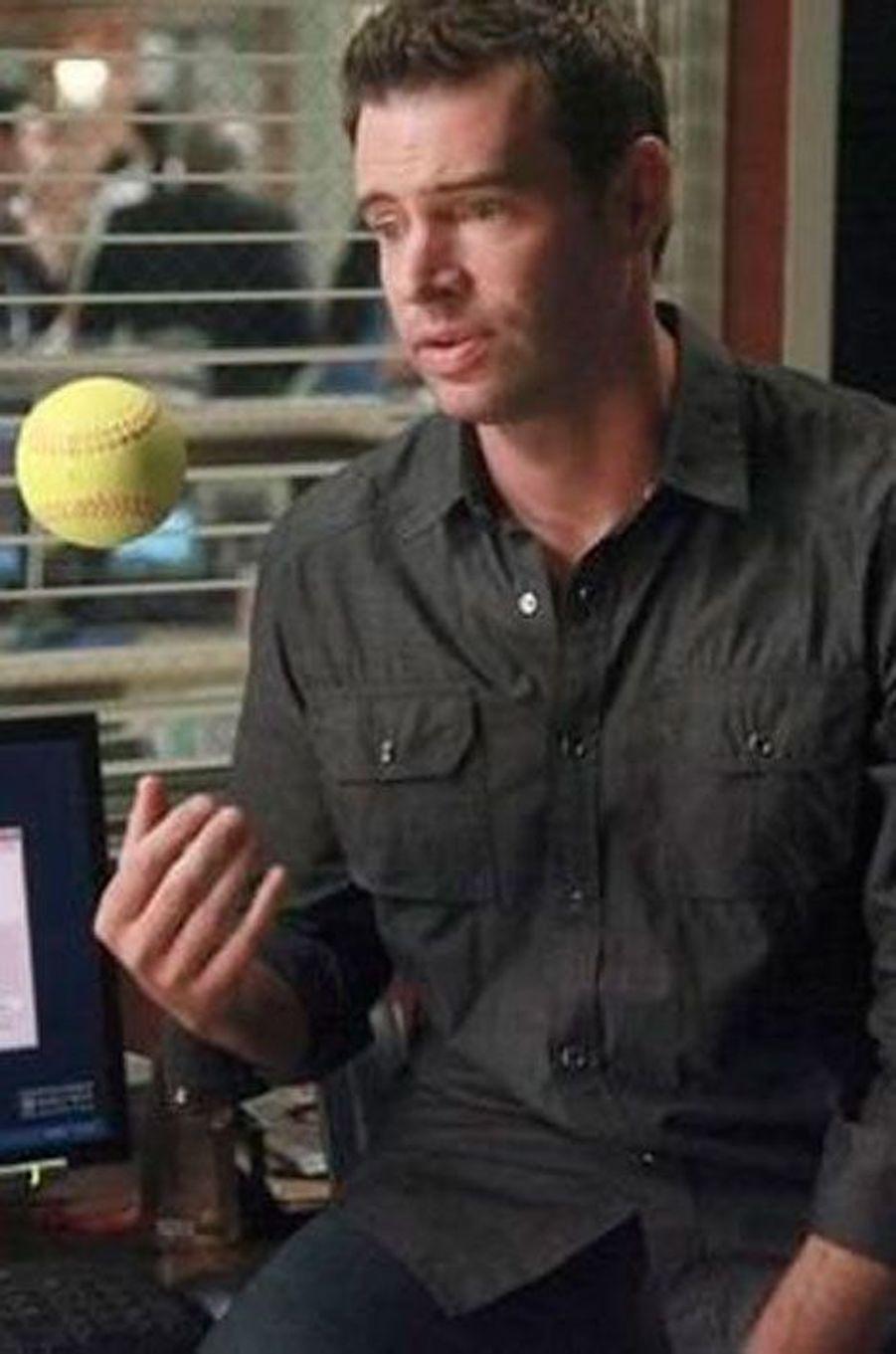 Scott Foley (Henry Burton)