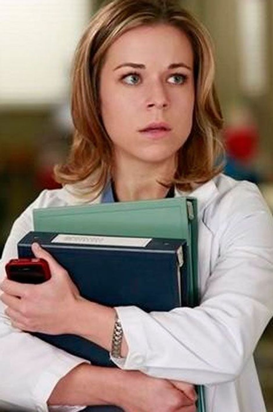 Tina Majorino ( Dr. Heather Brooks)