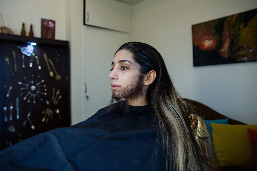 1er prix dans la catégorie Story Sports:Forough Alaei - L'histoire d'une jeune iranienne de 22 ans qui se déguise en homme pour assister à des matchs de foot.