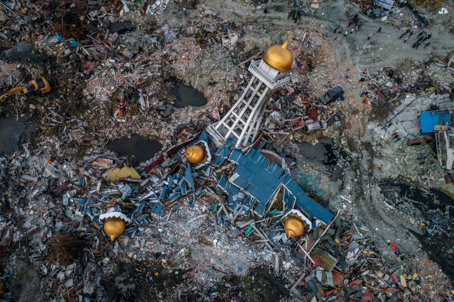 3ème prix dans la catégorie story news:Ulet Ifansasti - Les dévastations du séisme et du tsunami aux Célèbes en 2018.