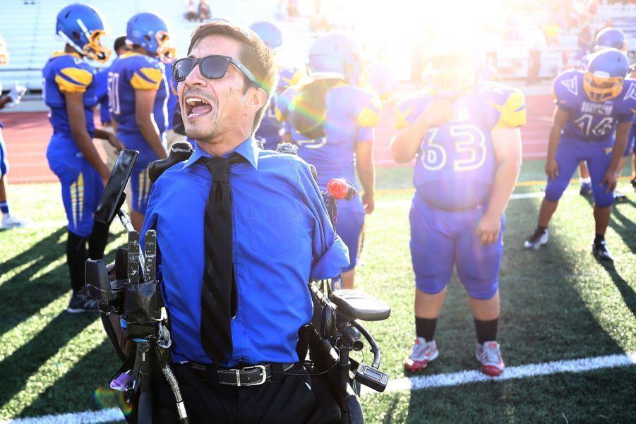 1er prix dans la catégorie Story Sports: Rob Medez, coach handicapé, sans bras ni jambes, d'une équipe de football américain.