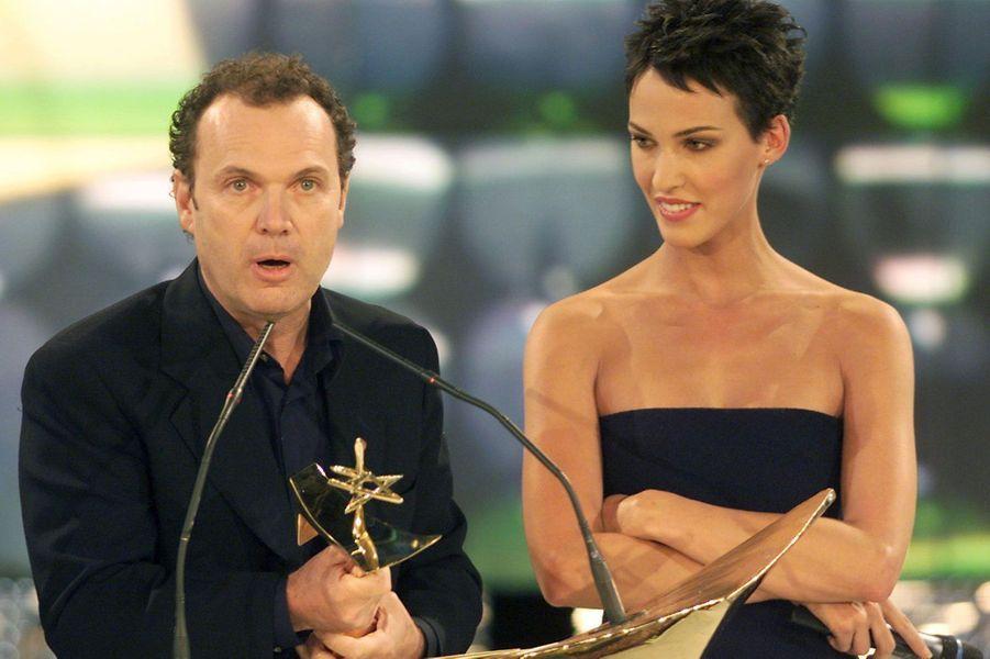 """Le 2 octobre 1999 lors de la cérémonie des """"7 d'Or"""" avec Linda Hardy"""