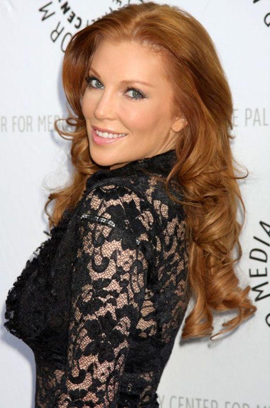 Skylar Bergman (Taylor Walsh)