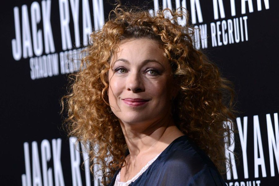Dr. Elizabeth Corday (Alex Kingston)