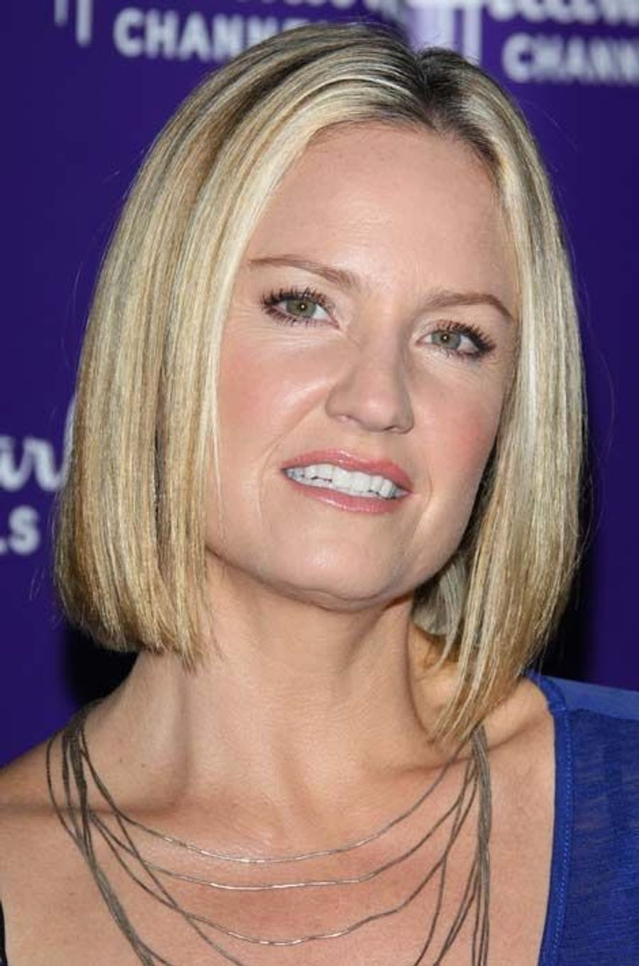 Dr. Susan Lewis (Sherry Stringfield)