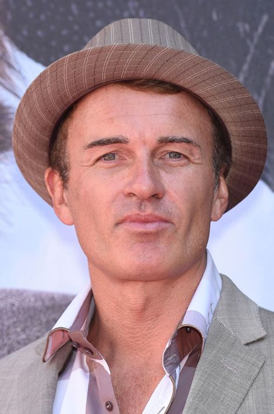 Julian McMahon (Cole Turner)