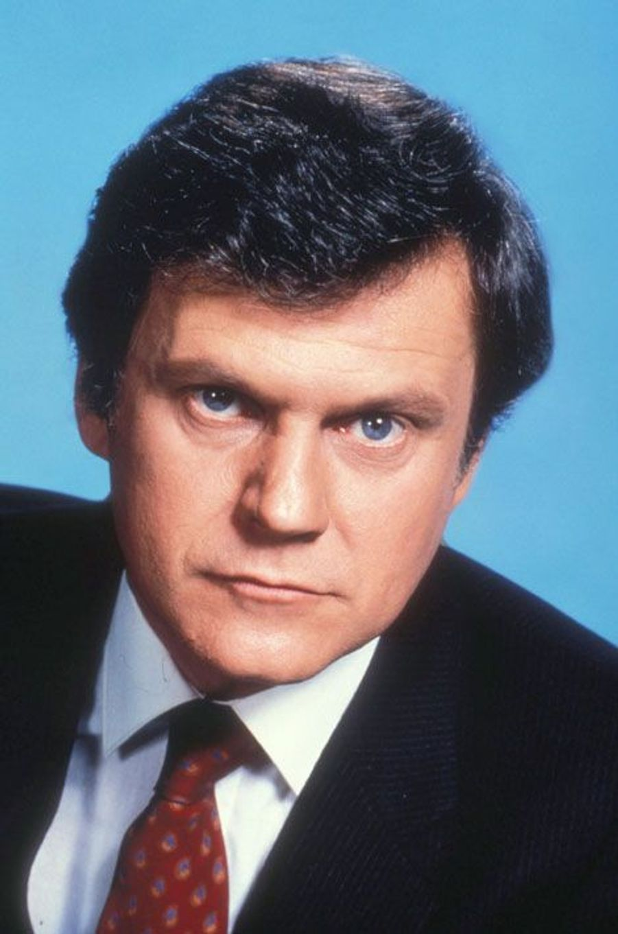 Cliff Barnes (Ken Kercheval)