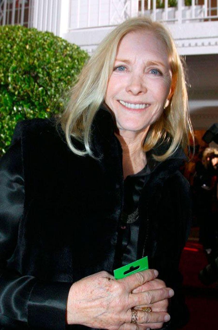 Donna Culver Krebbs (Susan Howard)