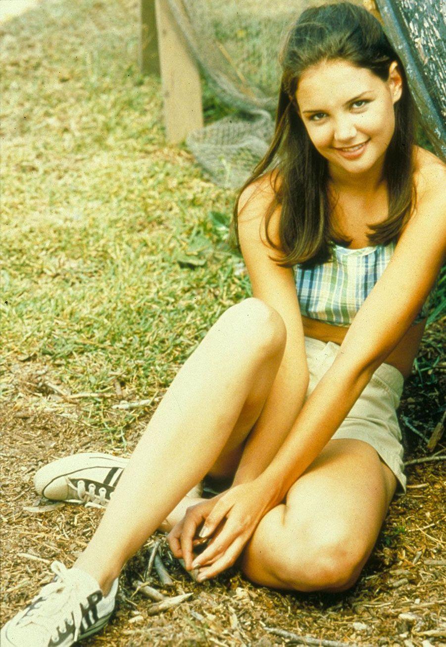 Joey (Katie Holmes)