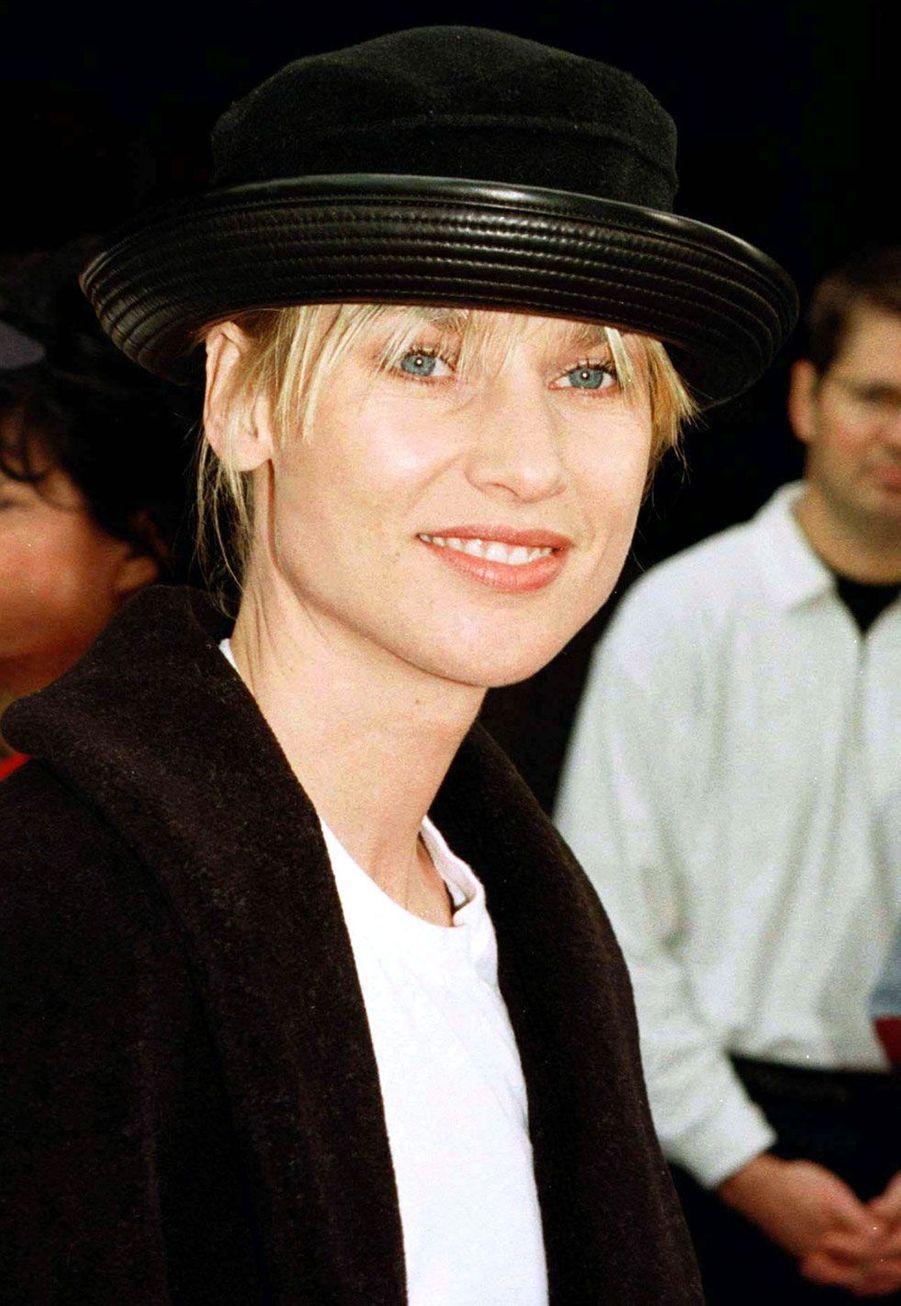 Nicollette Sheridan (Edie Britt) en 1997