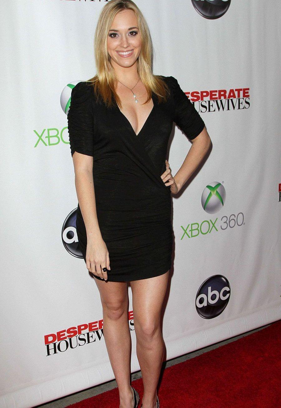 Andrea Bowen (Julie Mayer) en 2012