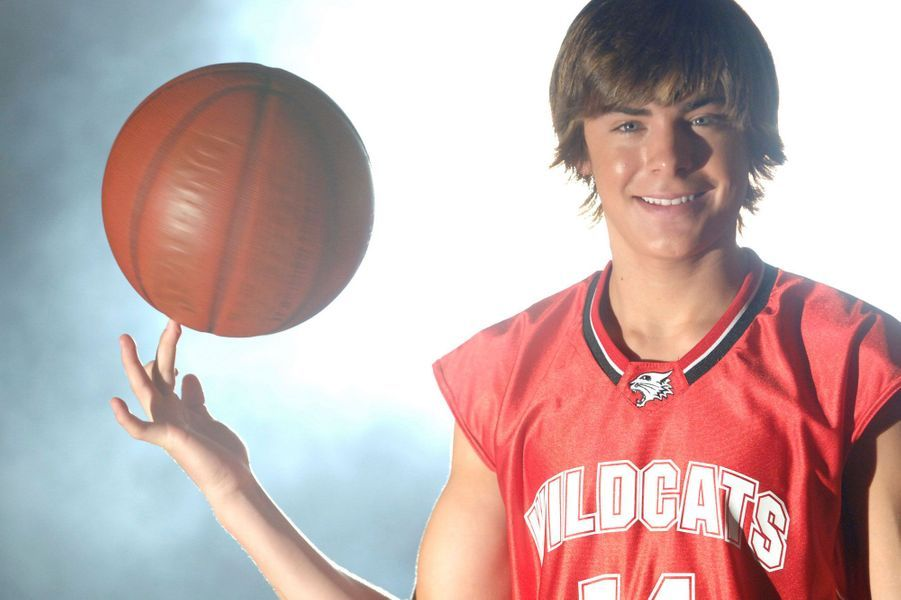 Zac Efron (Troy)