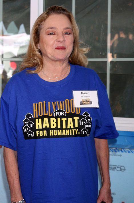Robin Mattson (Gina)